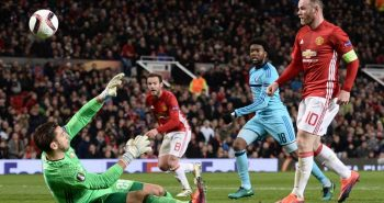 Rooney leads Manchester United to 4-0 win with record-breaking goal
