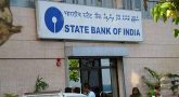 Kerala floods: SBI distributes Rs 2 crore