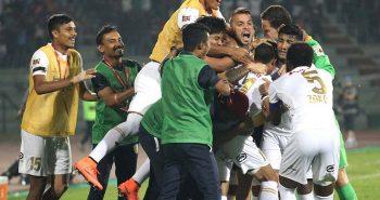 ISL 2016: NorthEast United beat Delhi Dynamous 2-1 to keep semis' hopes alive