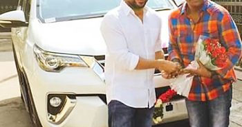 Surya surprised Director Hari with a Gift:-