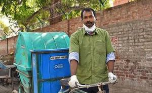Delhi ragpicker sells waste to fund his children's education