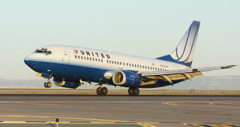 Damage control: United Airlines to offer customers up to USD 10,000 to forfeit seats