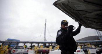 Immigration arrests at Mexican border continue to plummet
