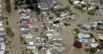 Hundreds evacuated from New Zealand town after levee fails