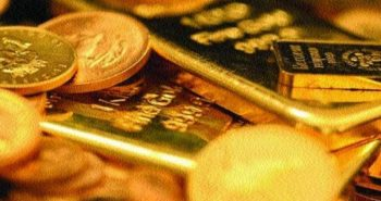 Gold falls below Rs 29,000 on weak global cues, low demand