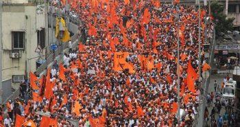Mumbai Bandh: Protesters block traffic in Thane