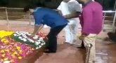 Actor vijay pays his last respect to Kalaignar