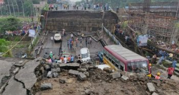 Bridge collapse in Kolkata; 1 dead, 21 injured