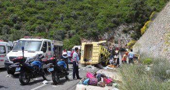 Uttarakhand: Bus falls off a mountain