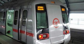 Delhi: Avoid air pollution Metro rail used