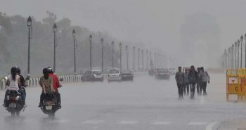 Heavy snowfall in Delhi