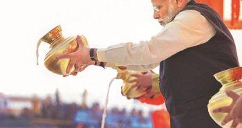 Modi donates Rs.21 lakh to Kumbh Mela workers