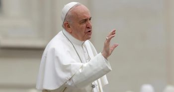 pope francis depressed after Sri Lanka bomb blasts