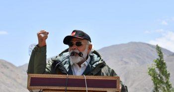 PM Narendra modi visits Army troops in ladakh