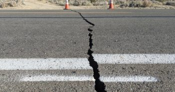 Earth quake strikes in Ladakh.